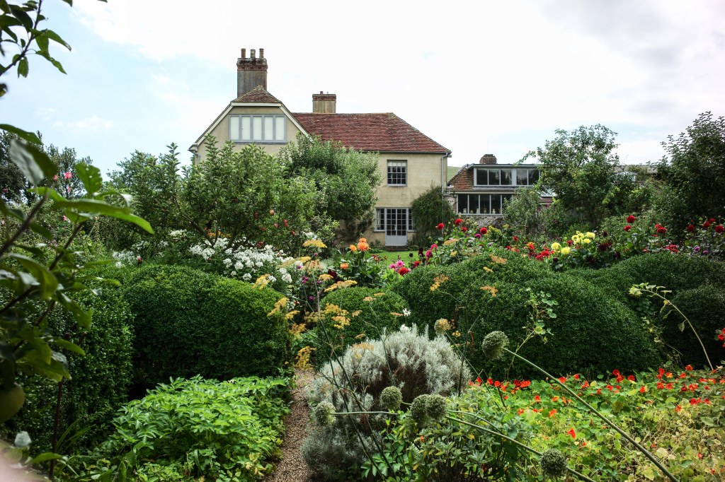 Charleston Farmhouse -the Sussex home of the Bloomsbury group